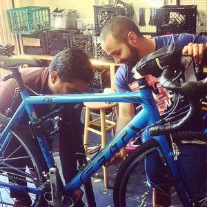 Garaje En Espanol a Bike Newport